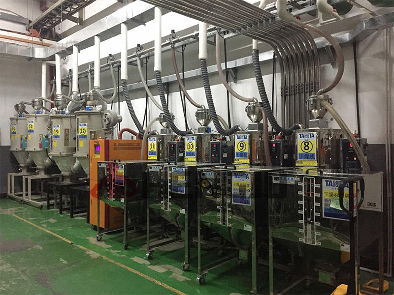Medical products dehumidifying and drying system